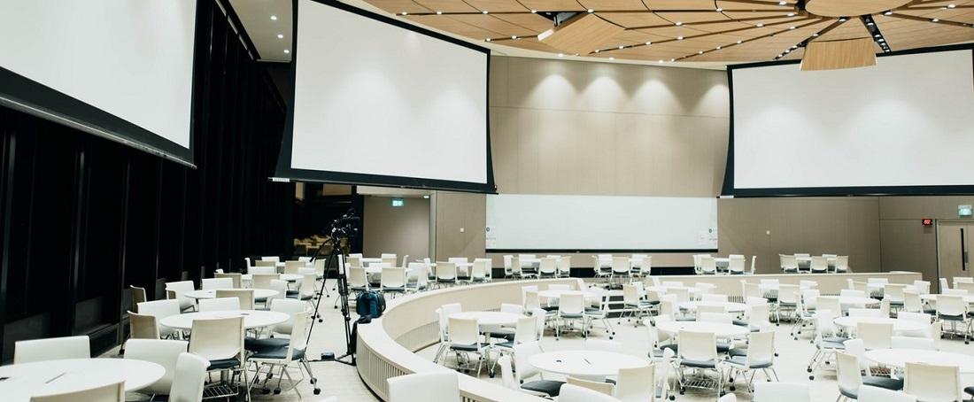 проектори для конференцзалів